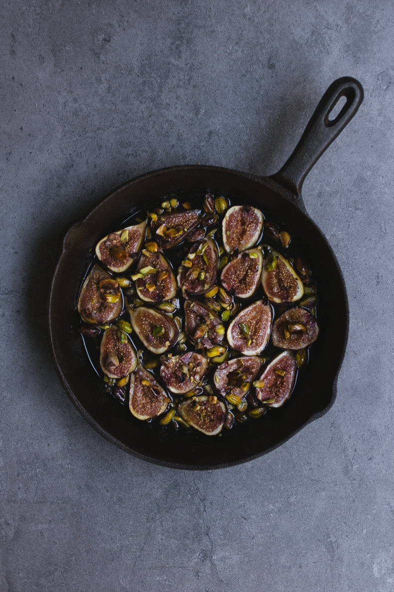 Honey Roasted figs with Pistachios by Tanya Balyanitsa (more recipes on Honeytanie.com)